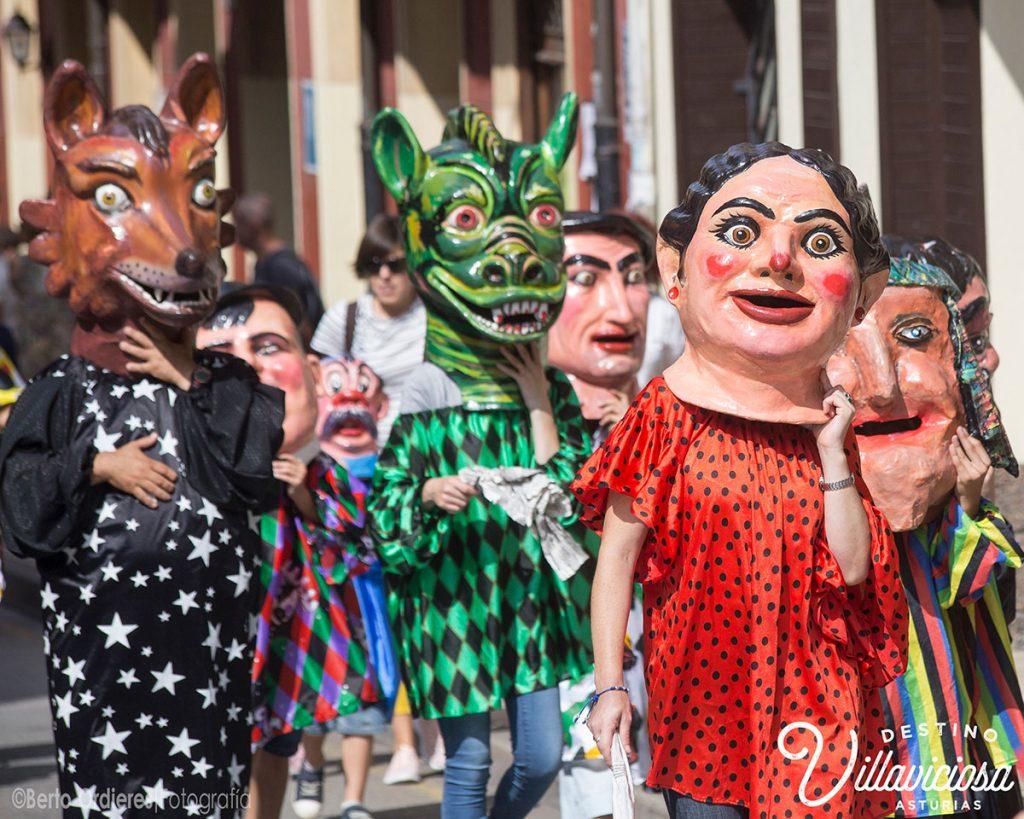 Desfiles de gigantes y cabezudos 15
